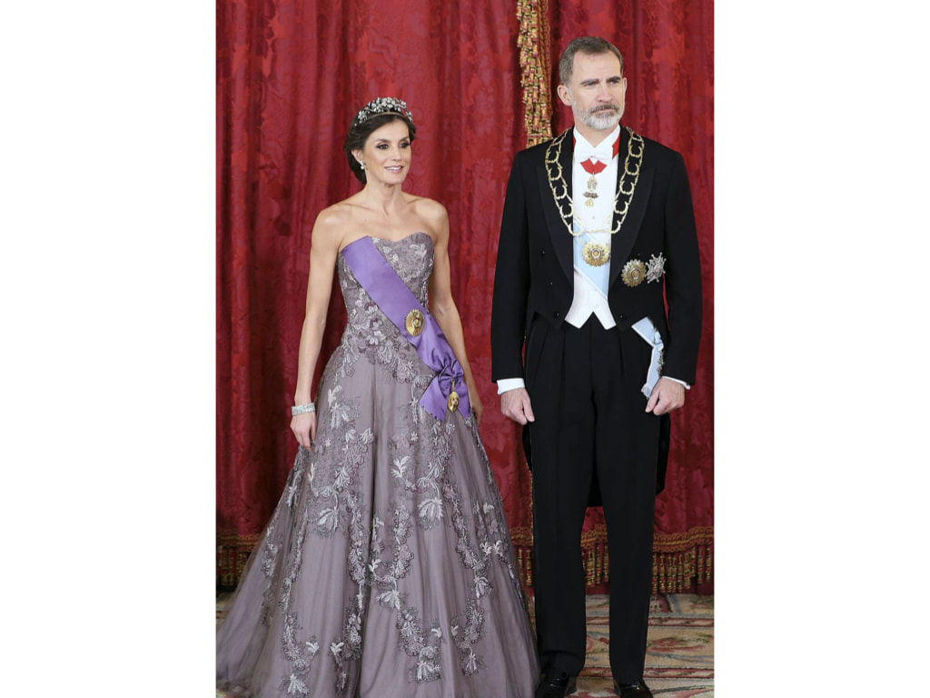 Letizia in strapless embellished lavendar grey gown, 27 February 2019