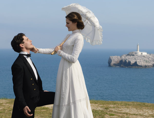 Alica and Julio, the the two main protagonists in TV series Gran Hotel