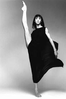French ballerina Sylvie Guillem photo by Richard Avedon