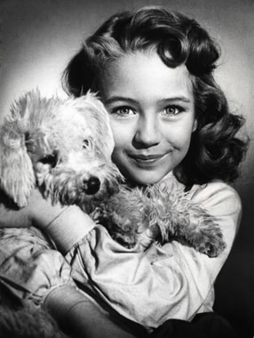 Christine Kaufmann as an orphan in film Rose-Girl Resli (1954)