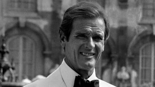Roger Moore while shooting his last James Bond movie A View to a Kill in Chantilly, north of Paris, 1984