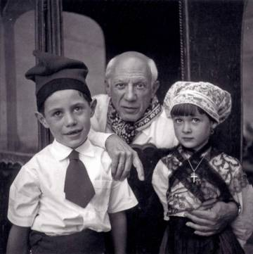 Pablo Picasso with Claude Picasso and Paloma Picasso