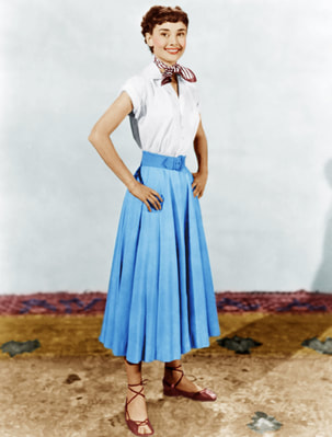 Blue or Beige? What is the color of Audrey Hepurn's circle skirt in Roman Holiday?