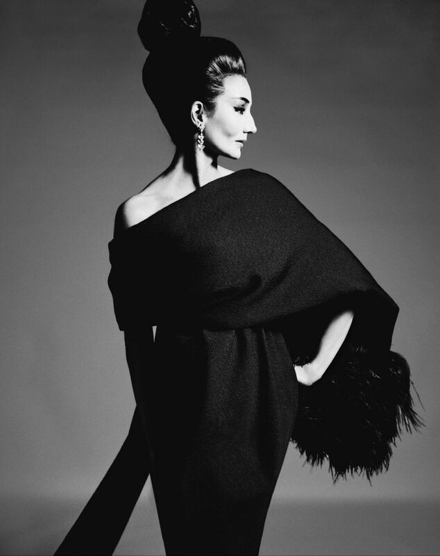 Jacqueline de Ribes in dress designed by Yves Saint Laurent, 31 July 1962