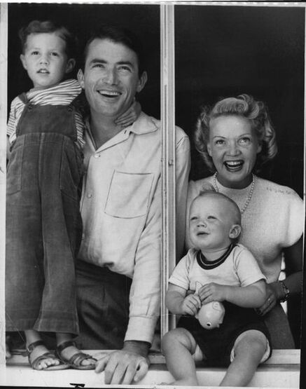 Gregory Peck with his first wife Greta Kukkonen(1911-2008) and two of their sons.